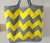 Crochet: bags and pouches / Bolsos de crochet