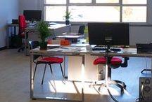 Our Space / AREA COWORKING offre un ufficio in condivisione con scrivanie attrezzate e connessione internet in zona Bergamo.  L'ufficio è molto luminoso, ristrutturato a nuovo, con bella vista panoramica.  Trasporti: a 20 minuti dall'aeroporto, a 1 km dalla stazione FS di Ponte San Pietro.