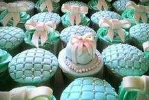 Julie's Cupcakes and Treats / http://www.facebook.com/JuliesCupcakesAndTreats