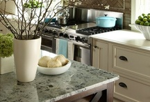 Kitchen Inspiration / Find beautiful kitchens to inspire you as well as great design and organizational tips to implement in your own kitchen.