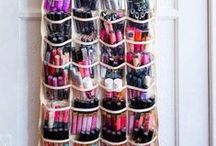 DIY Makeup Organization / DIY makeup organizers will surely make your life so much easier. In fact, these craft project might just help you in your search for that earring you lost months ago. Of course, a DIY makeup organizer will also help make your daily makeup routine much shorter.