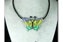colliers / colliers papillons et libellules soie , polyester, vinyles, colliers ras de cou cabochons de soie et colliers pièce de puzzle