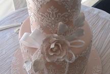 Wedding cakes / by Catherine Cardoso
