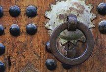 : | Klamki, uchwyty | handles, knobs | :