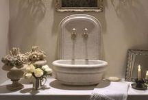 + Toaleta | powder room +