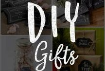 Chalk Art DIY Gifts / Go the extra mile by creating customized DIY chalkboard inspired gifts and gift wraps.