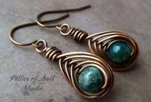 Bijoux, wires, beads & stones