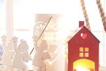 MERCATINO DI NATALE / Da ottobre a gennaio troverete: Alberi innevati, veri, artificiali, luci da interno e da esterno, fantastiche ambientazioni animate, tutti gli addobbi per emozionare la tua famiglia e i vostri ospiti, composizioni e centrotavola di Natale con fiori freschi, secchi o artificiali, tutto per la tavola delle feste, ma anche presepi, candele, incensi, profumi e un mondo di idee regalo!