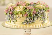 Awesome cakes!!! / by Lisa Olivardia