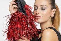 LIEB JU Creative Collection / Leidenschaft & Raffinesse. Die Creative Linie von Lieb Ju ist weltweit einzigartig. Das edle Design, die flatternden Federn … eine solche Vielfalt gab es noch nie. Be you. Be individual.   #liebju #designerbags #bags #fashion #angel #girl #ibiza #germany #coolstyle #look #party #partybag #iphone #berlin #essen #cologne #duesseldorf #frankfurt #düsseldorf #ibiza #münchen #munich #berlin #hamburg #wiesbaden #stuttgart #london #nyc #cosmopolitan