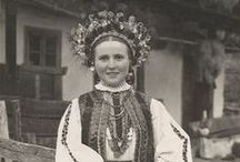 Romania / Rumunia / Romanian folk costumes and more