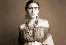 Frida Kahlo / Frida's clothes, art and life