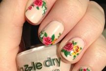 Flowers desing nails