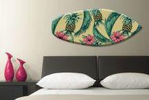 Aloha Hawaii - Surfboards für die Wand / Die einzigartigen Wandobjekte von cuadros lifestyle in Form von Surfbrettern, verzaubern die Wände Ihrer Wohnung stilvoll und geben jedem Raum eine sportliche Note. Die neue Generation Wandschmuck von cuadros lifestyle lässt Sie auf der kreativen Welle der modernen Zeit mitreiten. Springen Sie mit auf!