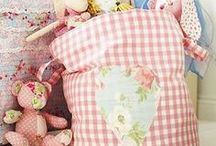 Crafty sewing ideas / Bags, dolls' clothes and other small projects