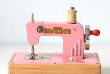 A Stitch in Time / A board to appreciate beautiful vintage and antique sewing machines and memorabilia
