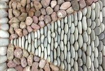 Tea House Pavement / A formal geometric  4 metre long pavement  made of pebbles.