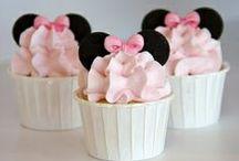Cupcakes / by Meg Thomson