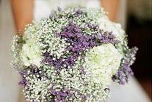 Fleurs : Bouquets / Décoration tables / Eglise / Fleurs pour le mariage : thème Vintage/romantique - couleur : blanc, violet, pêche