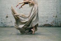 Dance! <3 / Porque dançar liberta! / by Taís Matos