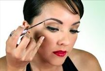 LIP INK® Miracle Brow Liner / Paint the skin under the brow to create the illusion of fuller brows or cover areas that have no hair. You can wear it with confidence 24/7 (even to bed). You can also use it to line the lips and eyes. Remember to let the applicator breathe before applying to the eye area. Men can wear this product to add the look of facial hair where there is none, giving their beard or mustache a fuller look.