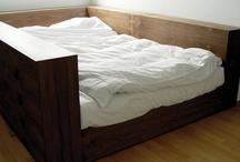 W sypialni... / In the bedroom...