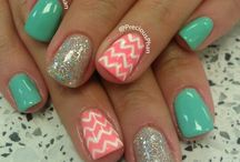 Nails & Toes💅 / by †❤Stephanie Dela Cruz ❤†