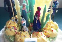 FROZEN BDAY PARTY / This was for my daughter's 5th birthday. I made the pretty much everything myself as sourcing the Frozen paraphernalia proved to be quite difficult (not to mention costly). It was all pretty basic but came together really well.