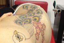 Voorzijde / zijkant / Diverse tatoeages welke op de voorzijde en zijkant zijn geplaatst door tatoeagestudio Lucky Cat Tattoo | 's-Hertogenbosch