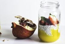 Chia Seeds ! / La consommation de cette petite graine est très intéressante car celle-ci est très riche en acides gras oméga-3, antioxydants, fibres, minéraux et Vitamines. Dépourvu de gluten et doté d'un incroyable effet coupe faim, le chia est un parfait allié minceur. Idéales pour booster la valeur nutritionnelle de vos plats, les graines de chia peuvent être ajoutées telles quelles dans les salades, les yaourts, les boissons, les légumes, les céréales, le riz …