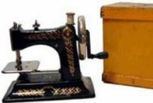Bing Werke Toy Sewing Machines / Bing manufactured in the twenties only two different child stitching machines.