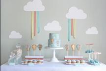 Galletas decoradas, macarons, mesas dulces