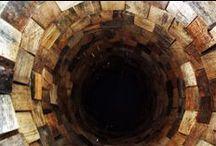 The wooden cylinder (Sculpture) / Wooden bricks 8cm x 8cm / Height: 180cm / Diameter: 70cm