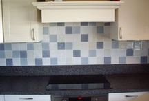 Keukenvloer & Keukenwand / Keukenvloer en keukenwand betegeld door Tegelzettersbedrijf J van Loenen voor HV Keukenmontage in Naaldwijk.