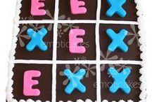 Board Game Cakes / This board has some ideas for cakes made to be like board games. It even has a playable game of tic-tac-toe