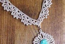 Crochet jewelry / Thread crochet jewelry #crochetjewelry #crochetcolours #elegantjewelry #jewelrydesign