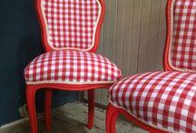 Gestoffeerde stoelen - Oud is Nieuw / Klassieke stoelen volledig gerestyled. Elk exemplaar is uniek omdat stof, houtbewerking en kleur aangepast kan worden naar uw wensen. Laat uw oude stoelen ook opnieuw bekleden of kies een mooie stoel uit onze voorraad.