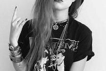 Grunge fashion looks / soft grunge fashion 90's 90s fashion outfits outfit jaren 90 rock inspiration inspiratie