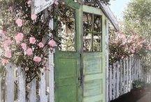 Ovi puutarhassa- Doors in garden