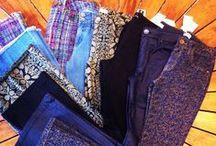 Calças / Objeto de vestuário. Vestuário que cobre as pernas separadamente e desce da cintura até aos pés.