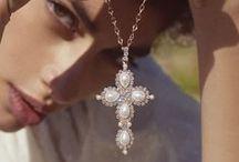 Parisienne Collection / Bijoux ricchi e romantici per completare il tuo stile unico con gioielli splendenti.