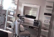 Vanity/Makeup table/storage