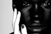 BLACK & WHITE FRAMES