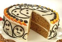 Cakes and Cupcakes Celebration / Liven up any party with hearty and delightful pumpkin cakes!