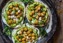 EAT YOUR GREENS. / Vegetarian & Vegan Recipes with inspirational food photography displays.