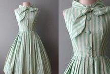 Dresses / by Yasmin YAEESH
