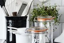 Kitchen utensils & organisation