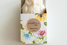 pAcKaGiNg  / by Donna Jarvie