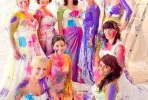Trash the dress / Was tun mit dem Hochzeitsoutfit nach der Hochzeit? Bevor es im Schrank zerknittert und verstaubt, nutzt Eure Chance füpr einmale, spektakuläre Fotos! Wir sammeln hier die schönsten Ideen für Euch!