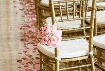 Hochzeitsinspiration / Wedding Moodboards und viele Inspirationen zu den Hochzeitstrends 2018. Egal ob Herbst- /Winter- /Frühlings- oder Sommerhochzeit, hier erwarten Dich tolle Ideen für deine Hochzeit.